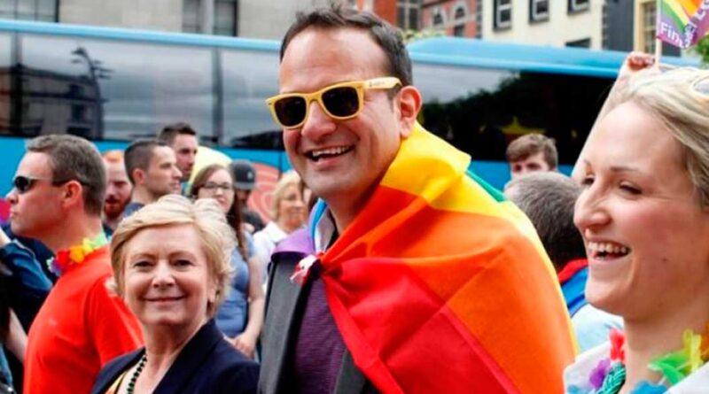 Leo Varadkar til Dublin Pride i 2015.
