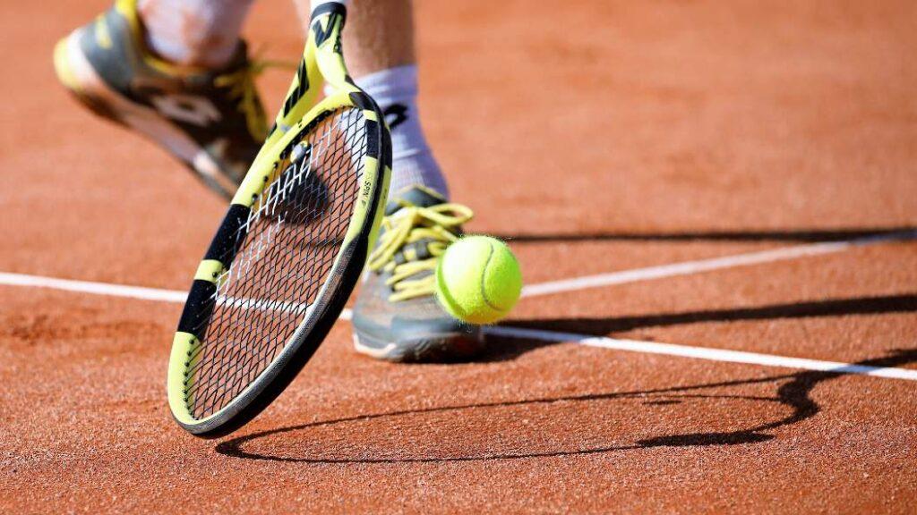Homofobiske udbrud koster dansk tennistalent