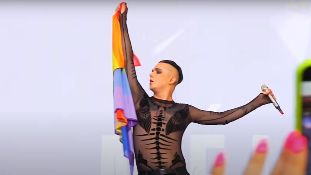 Eurovisionstjerne springer ud